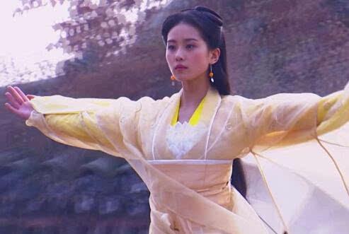 那年的黄衫女子 如果她出现在古代 你恨不得去穿越-搜狐