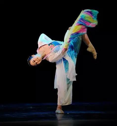 中国古典舞丨扇舞丹青图片