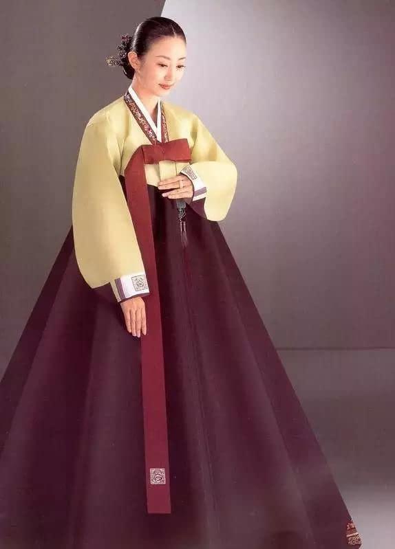 旗袍韩服和服越南旗袍谁更美 民族服装大比拼图片