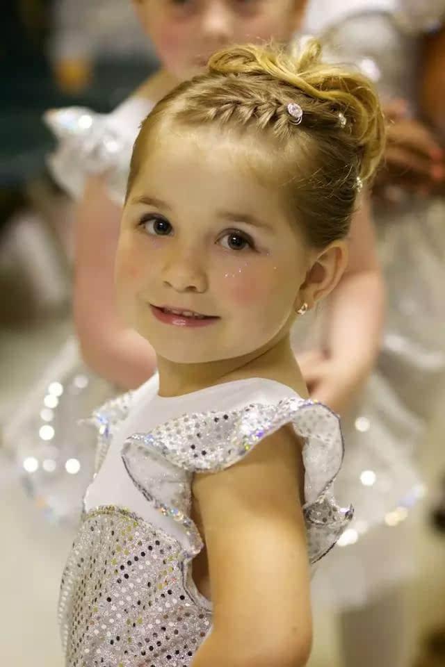 永远做妈妈眼里的小公主,萌娃夏日清爽发型!图片
