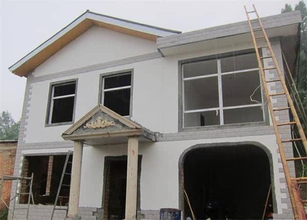 自建民房,7乘6米大厅设计一挂24公分6米长的横梁上面.下面各配多大