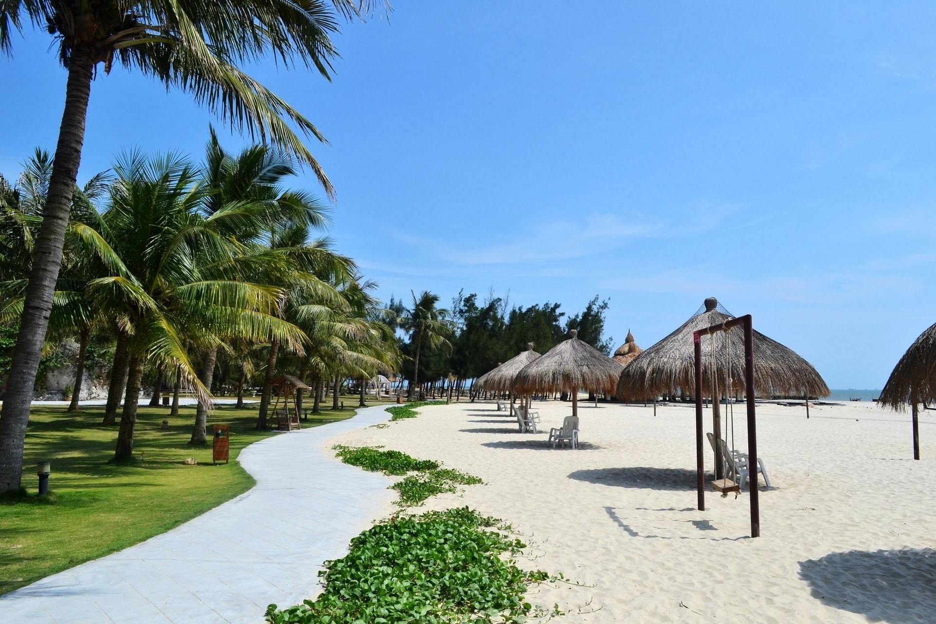 海悦度假村_住宿:沙扒镇上有许多度假屋可供选择,如碧海蓝天度假村,海悦假日酒店