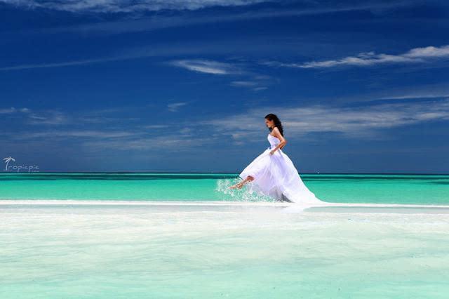 女生夏天去海边旅游穿什么好看?