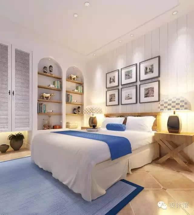 绿色竹子图案的床头背景墙,大红色被褥,米黄色壁纸,木质地板,绿色