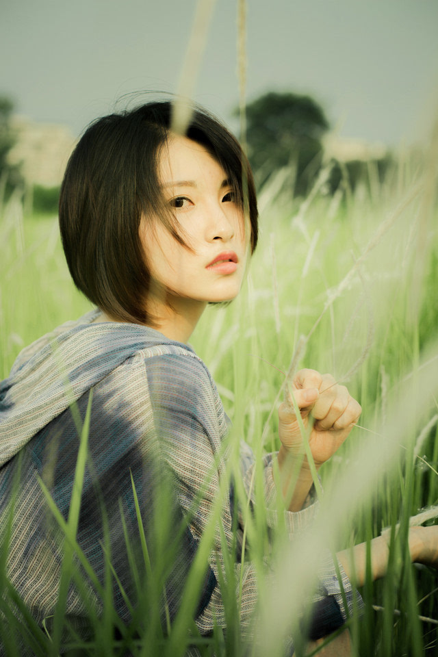 唯美小清新森系女生绿色意境清新图片