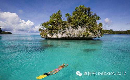 旅游 正文  斯米兰群岛的潜水排名一向在全世界的前十名以内.