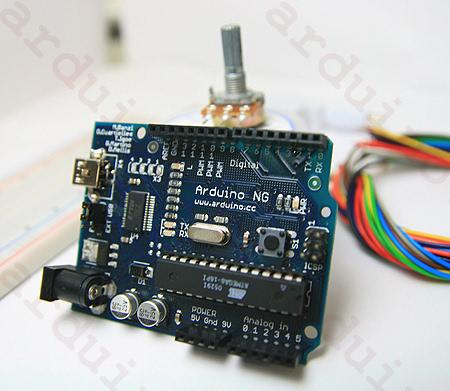 arduino 是款开放源代码的单芯片微控制器,可以用来开发各种设备.