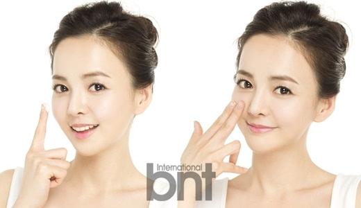 第二个阶段是使肌肤亮白。这是能够提升自身肤质的一个阶段。亮白管理能够使肌肤在夏季也能保持明亮清新。在选用亮白产品时,不能无所顾忌地选择任意产品。这是因为很多产品都只有一时的美白效果,并不能从根本上改善肤质。   所以在挑选使用化妆品时,一定要仔细确认产品中实际含有多少对肌肤的有益成分,同时有什么样的附加功效。美城(Belleza Castillo)白色谎言含有大量能激活皮肤再生细胞的EGF成分,不光有卓越的美白效果,同时也能改善皱纹和抗老。   STEP 3.
