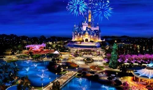 迪士尼/上海迪士尼预告上海迪士尼乐园是由美国华特·迪士尼集团和申迪...