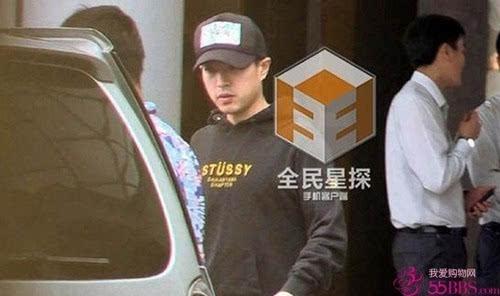 姚笛素颜约会被曝新恋情 新男友是台湾男星李威
