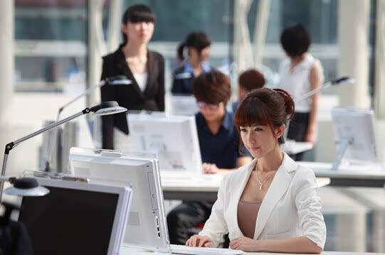 云南新华:初中毕业上新华,不读高中一样拿大专
