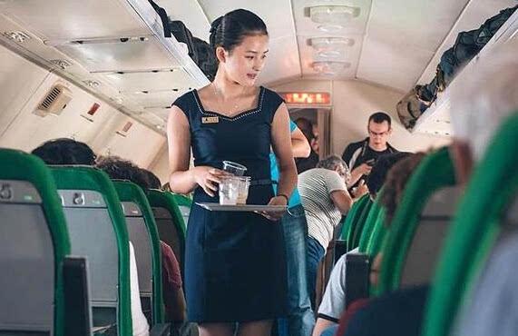 谁说朝鲜无美女?飞机上美到窒息朝鲜空姐