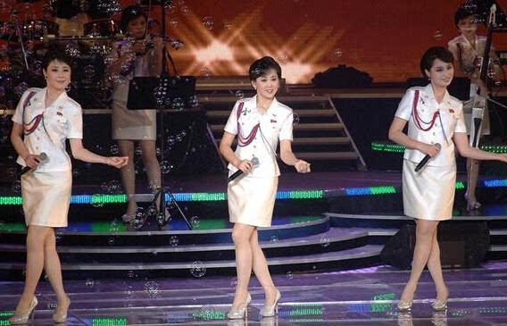 谁说朝鲜无美女?偷拍美到窒息朝鲜空姐