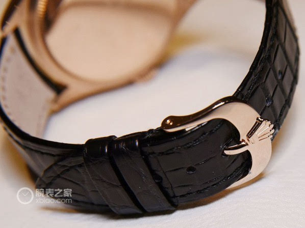 [ 腕表之家 ]腕表品鉴:鳄鱼皮表带搭配针扣