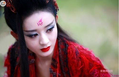 《花千骨》赵丽颖红衣妖神照曝光 冷艳霸气