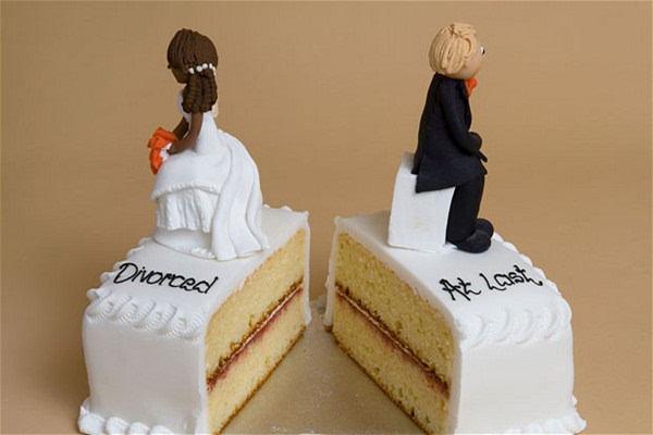 相比男性,女性更可能主动提出离婚