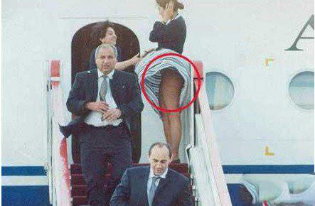 世界各国空姐八大丑闻:工作时间竟不穿内裤!