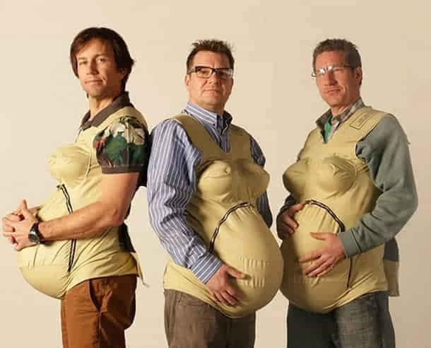 奇葩男人 穿上孕妇套装尝试分娩的痛高清图片