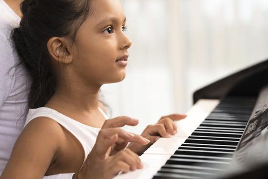 小班幼儿休息钢琴曲谱