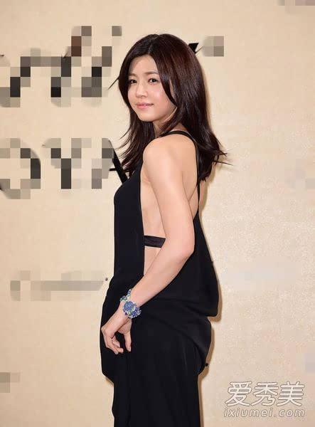 陈妍希裸背玩道理白嫩雪肌很有肉性感大胸硬性感是才图片