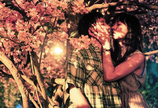 齐溪和韩庚在《万物生长》中的激情戏