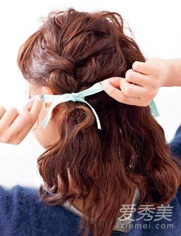 长卷发怎么扎 马尾辫&花苞头让你爱上扎发