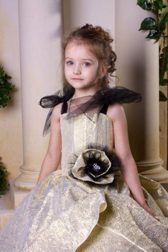 有哪些好看的萝莉写真人物,像椎各桃子 金子美穗之类的图片