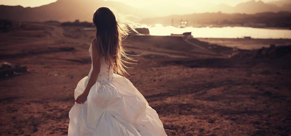 手绘婚纱背影 壁纸