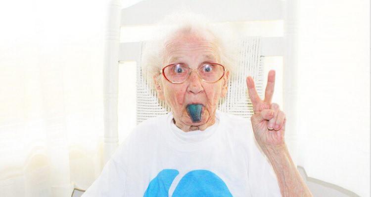 v癌症永存:祭INS上a癌症的癌症奶奶se硬视频解图片