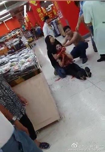 广东男子超市盗窃被举报 将女店员割喉致死