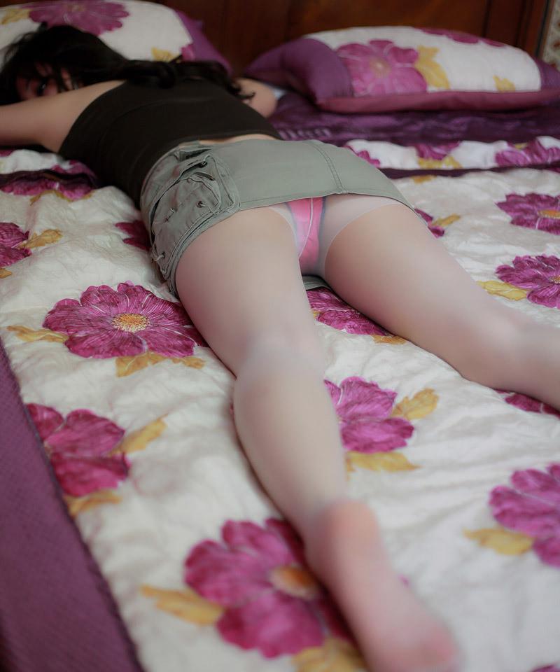 阿莲室内少女丝袜人体艺术写真