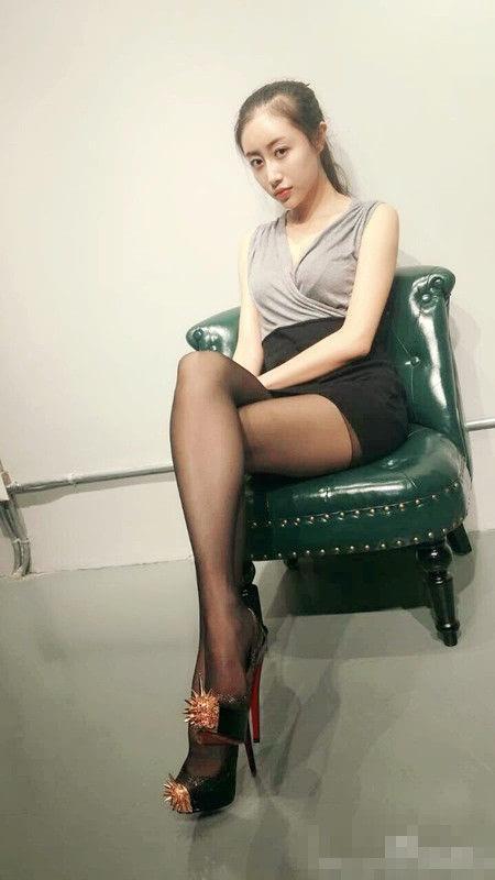 有网友称这位美女老师的身材完爆韩国最美体育老师