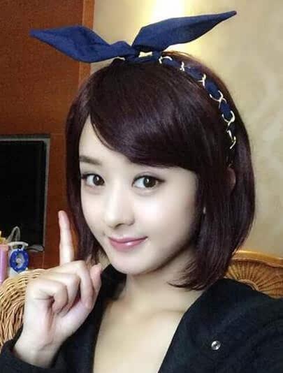赵丽颖唐嫣范冰冰的扮嫩利器:一个发饰就搞定了!图片