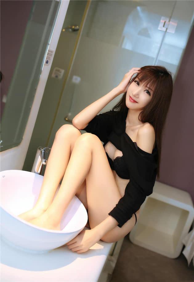 性感大长腿美女大尺度写真集