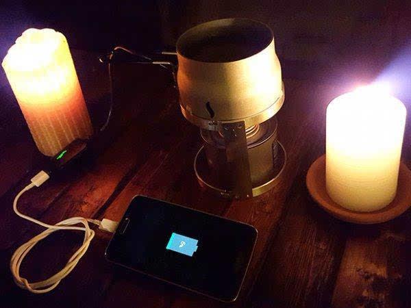 以后我们可以用蜡烛给手机充电