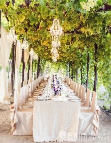 一场浪漫的葡萄酒庄园婚礼该?