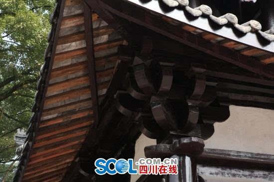 梁思成的信念是,一定要找到一座明清以前的木结构建筑,用实例来验证