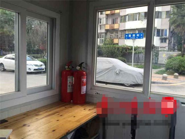 南京市建邺区每条停车泊位道路将配两瓶灭火器