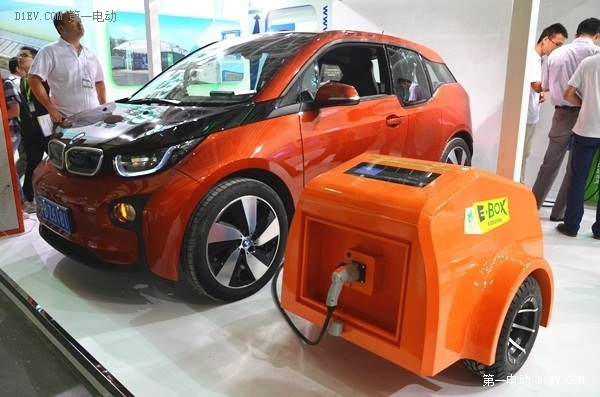 智能电桩 汽车充电宝应有尽有 上海充电设备展火热举行