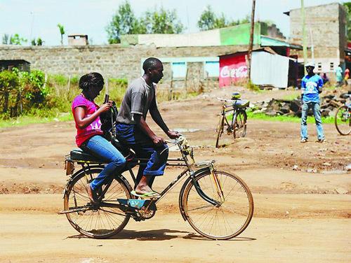 世界上自行车骑的最好的人,上帝已将自行车变成他的双脚图片