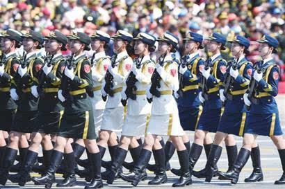 女兵,阅兵式上一道靓丽而富有力量之美的风景线.