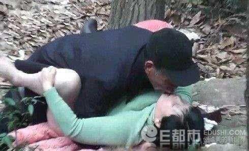 北京站街女小树林里野战