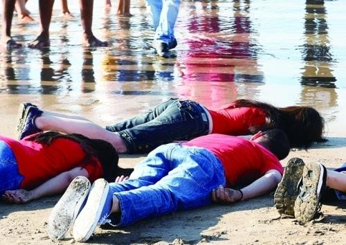 以悼念溺亡的叙利亚儿童阿兰