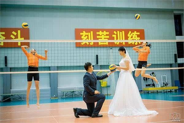 中国女排二传沈静思婚纱照曝光世界杯MVP朱