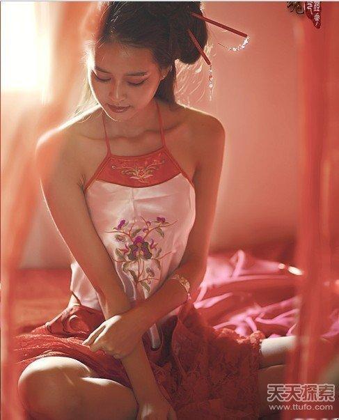 唐朝的女人为何喜欢坦胸露乳? 第4张
