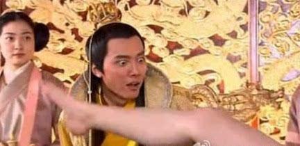 唐朝的女人为何喜欢坦胸露乳? 第12张