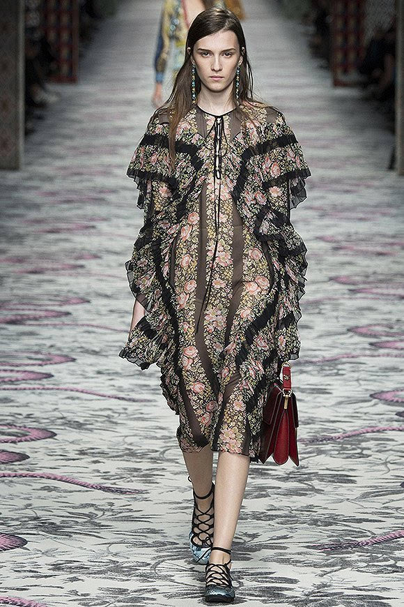 米兰时装周:复古玩到极致会是什么样?Gucci用细节告诉你