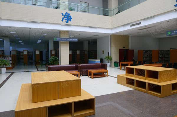 财经 正文  图书馆二楼中庭 武进新闻网讯(记者 张军)9月26日开始