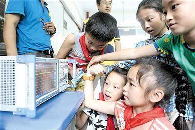 粉碎机:儿童手表辐射到底有多大?