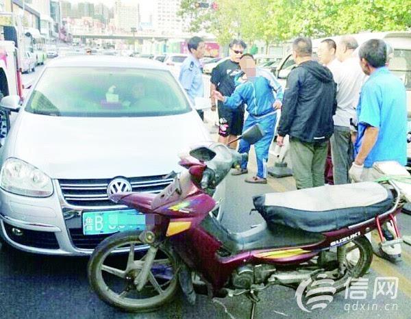 青岛孕妇产检途中遇车祸 司机逆行肘击还要赔钱